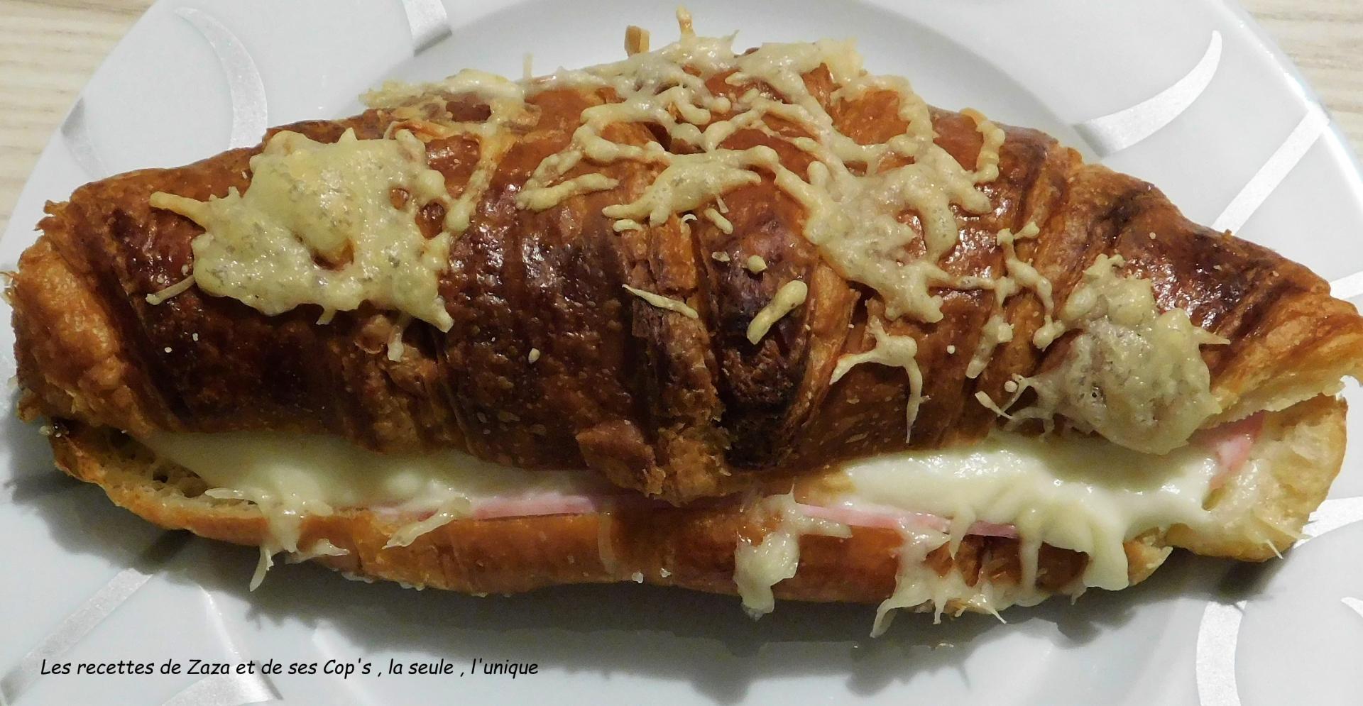 Croissants au jambon comme au bistro