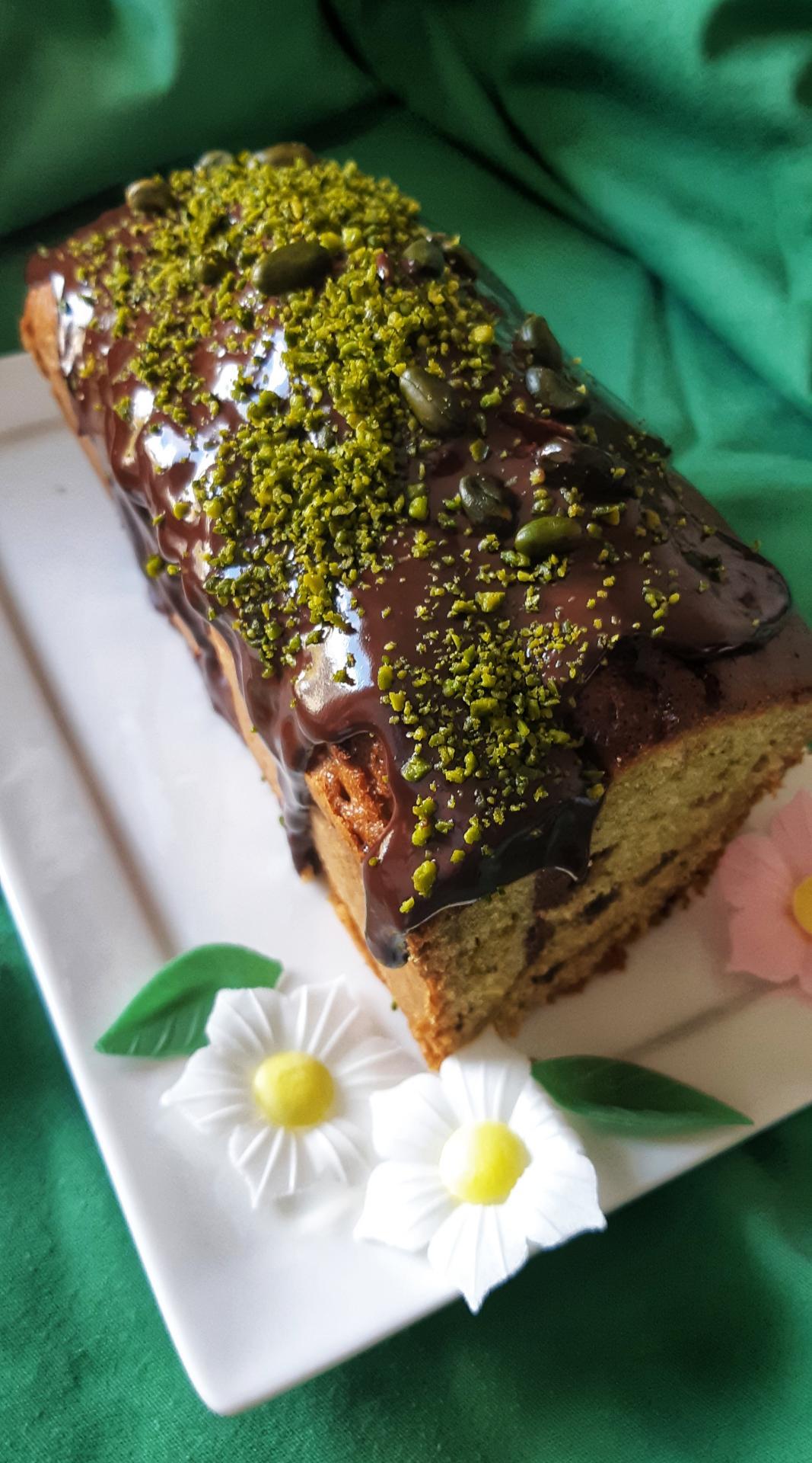CAKE AUX PISTACHES PÉPITES CHOCOLAT