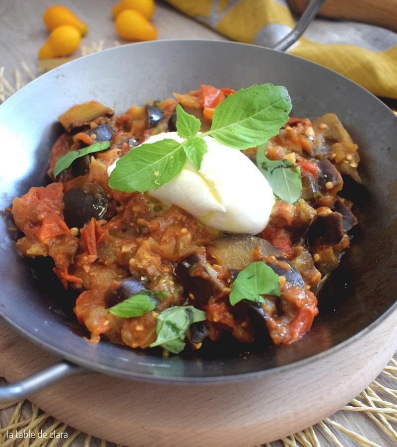 Aubergines aux tomates fraiches et a la mozzarella