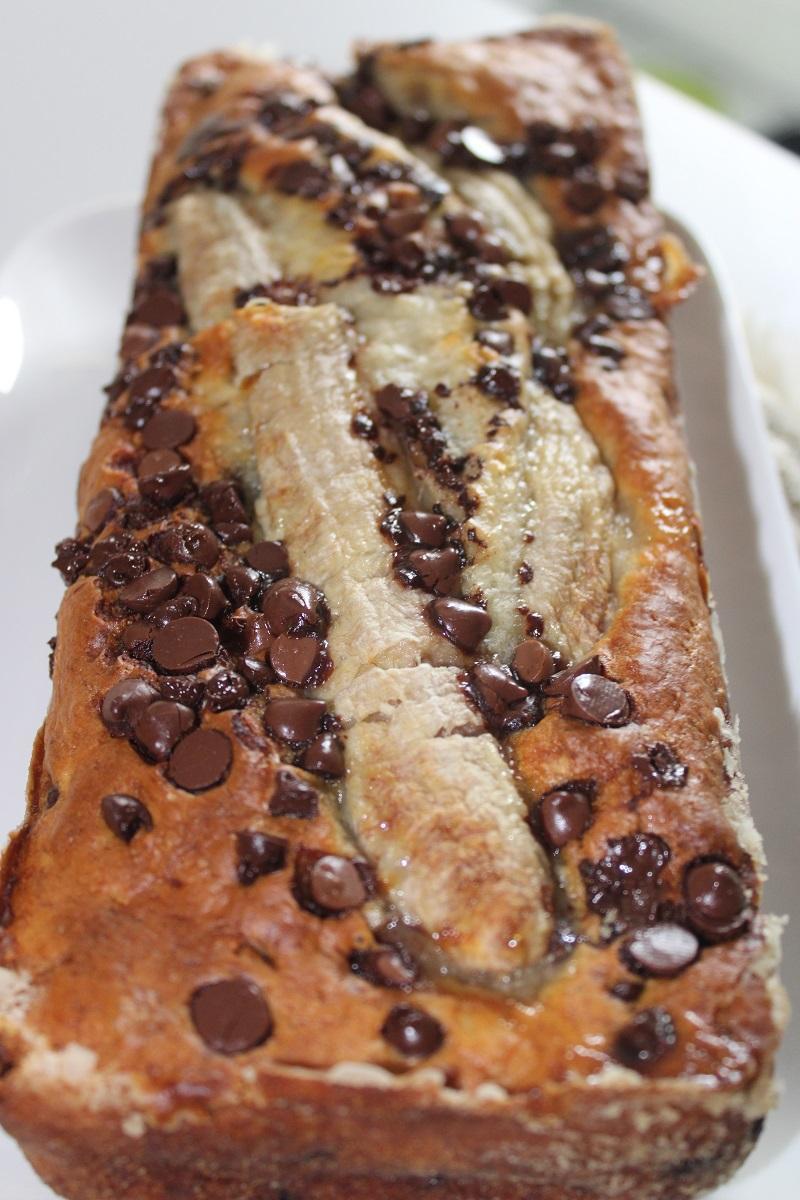 Banana bread ou cake banane et pepites de chocolat