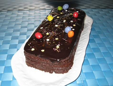 Buche biscuitee tres chocolat pour paques