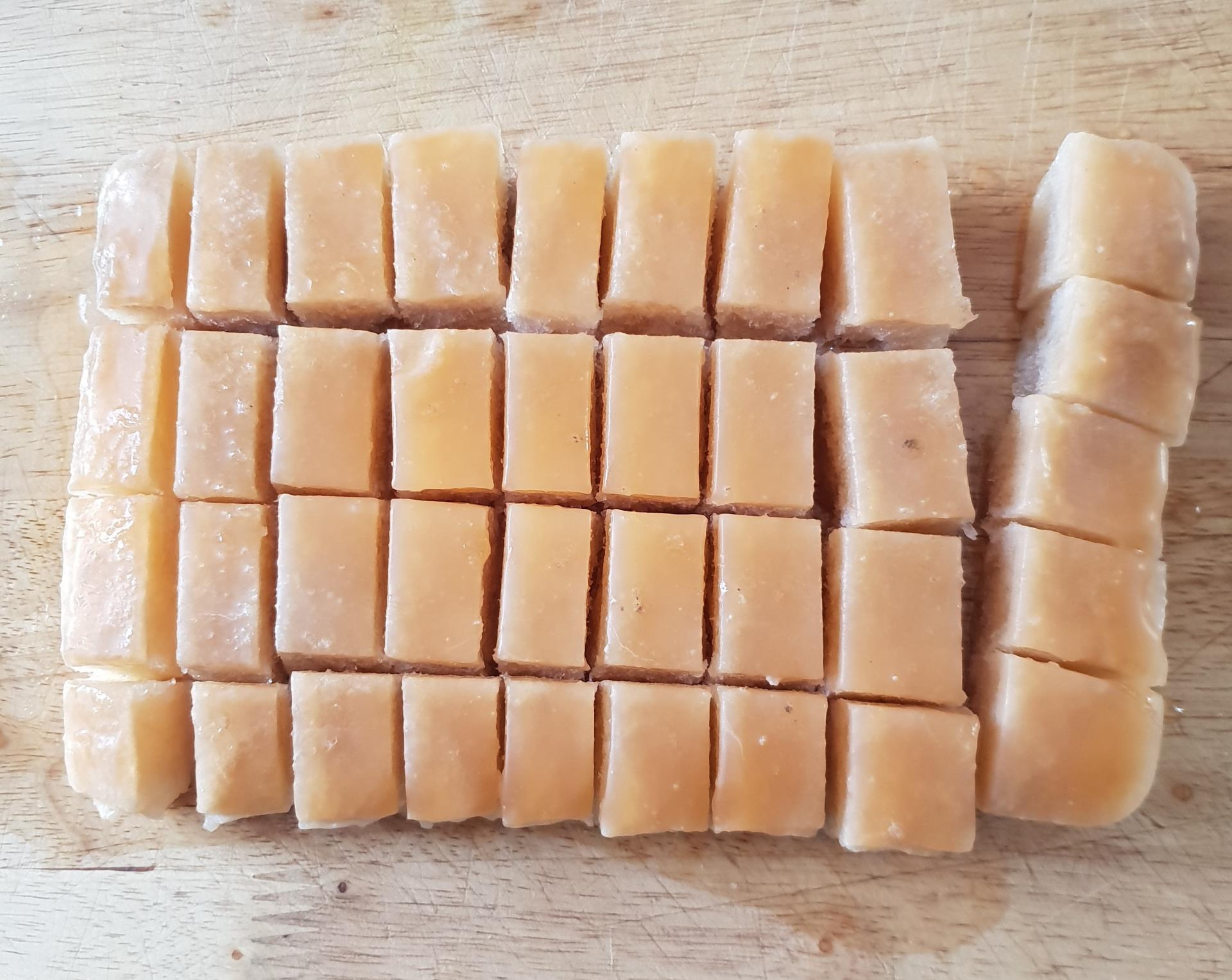 Bouillons de cubes de saumon