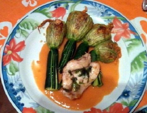 Filets de rascasse rotis aux fleurs de courgettes farcies sauce crustacee