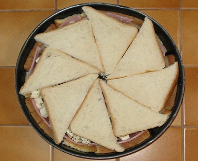 Gateau de pain de mie facon pizza 3