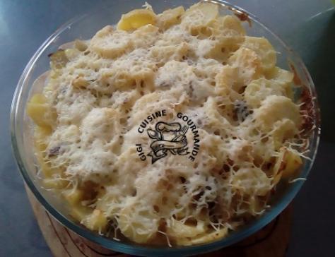Gratin de pommes de terre poireaux et saucisses de montbeliard
