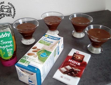 Mousse chocolat, sirop agave et lait d'amandes