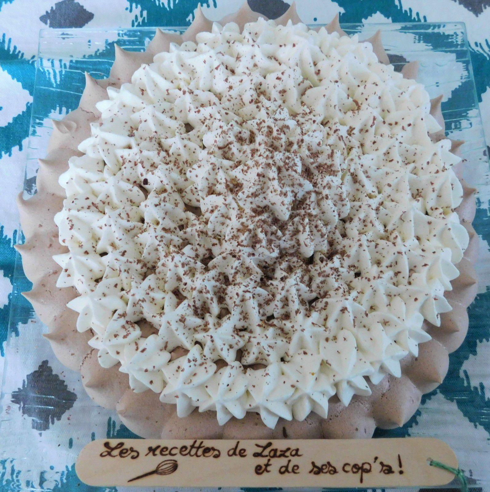 Pavlova au cacao et chantilly a la vanille