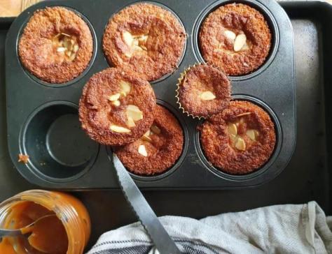 Petits cakes caramel et amandes 2