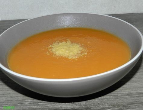 Potage aux carottes potiron avec ses epices et son st moret