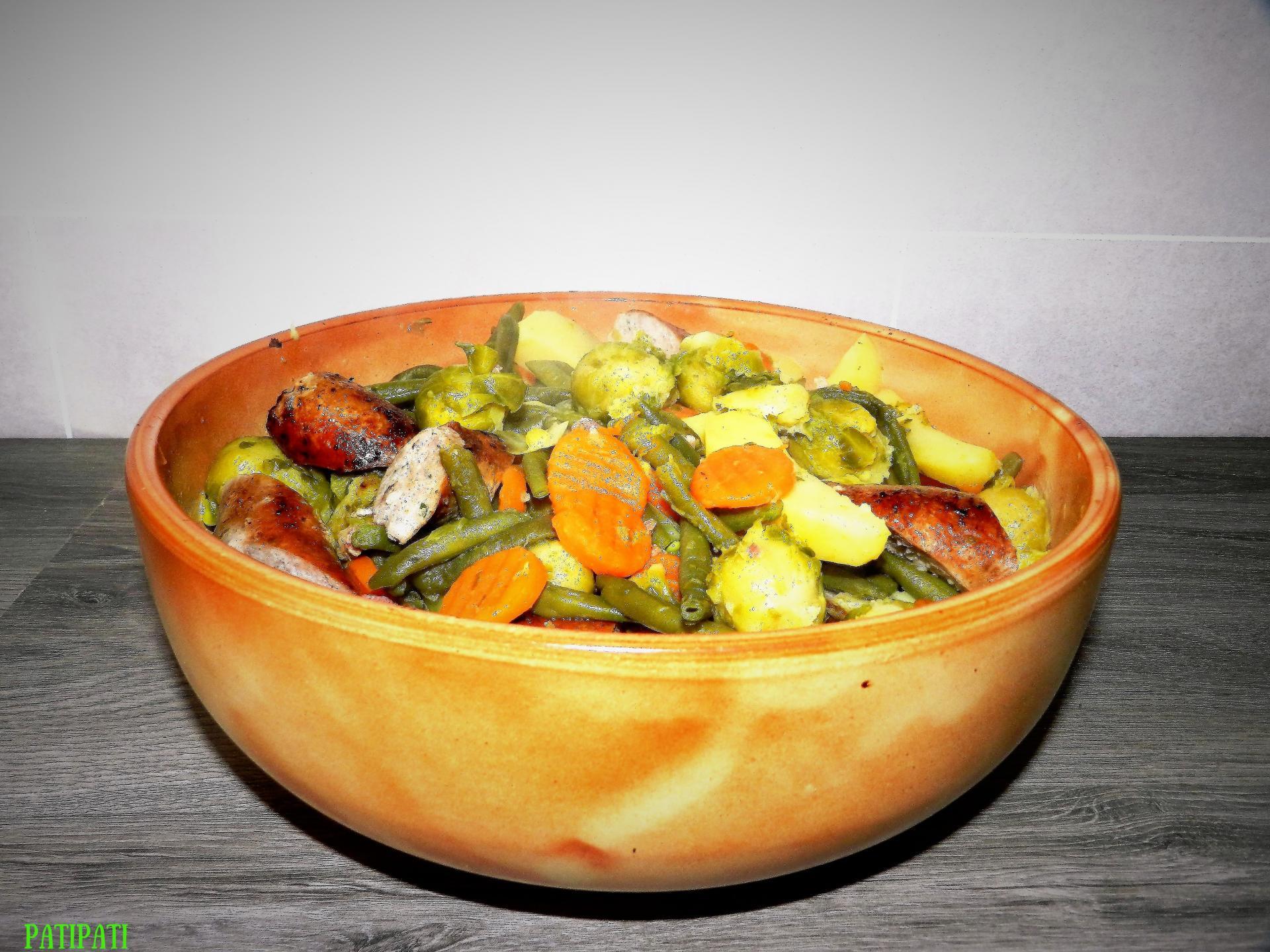 Potee aux petits choux haricots carottes et saucisses