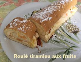 Roule tiramisu fruits