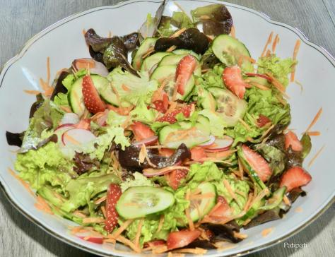 Salade composee aux fraises