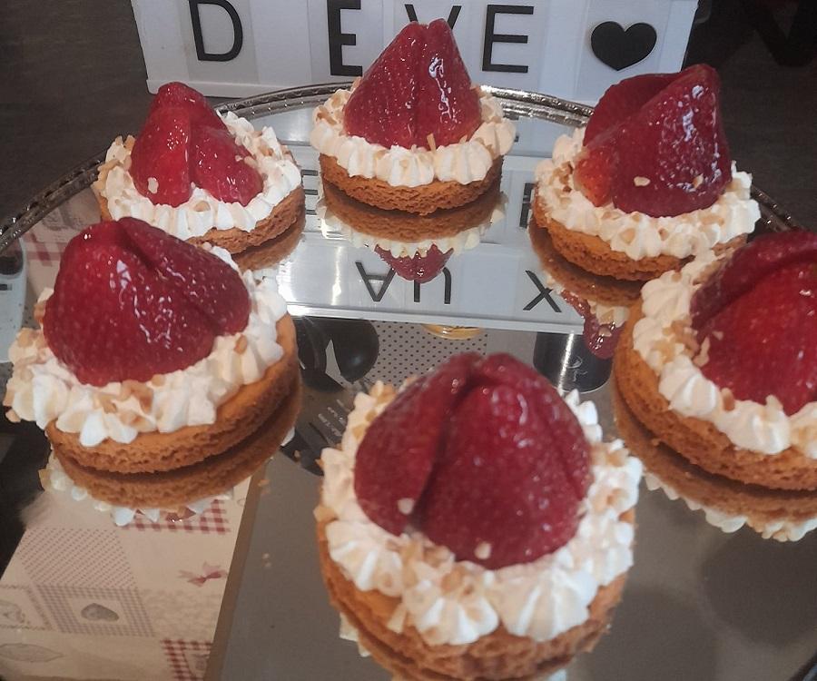 Tartelettes sable breton aux fraises et chantilly