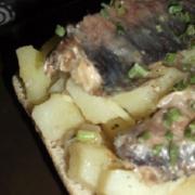 Tartine de pommes de terre et de sardines
